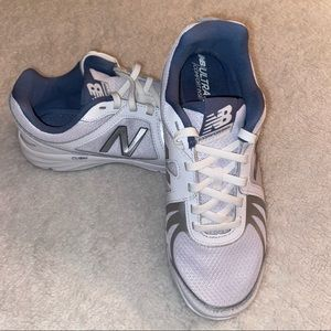 New Balance Womens 496 v3 Walking Sneaker